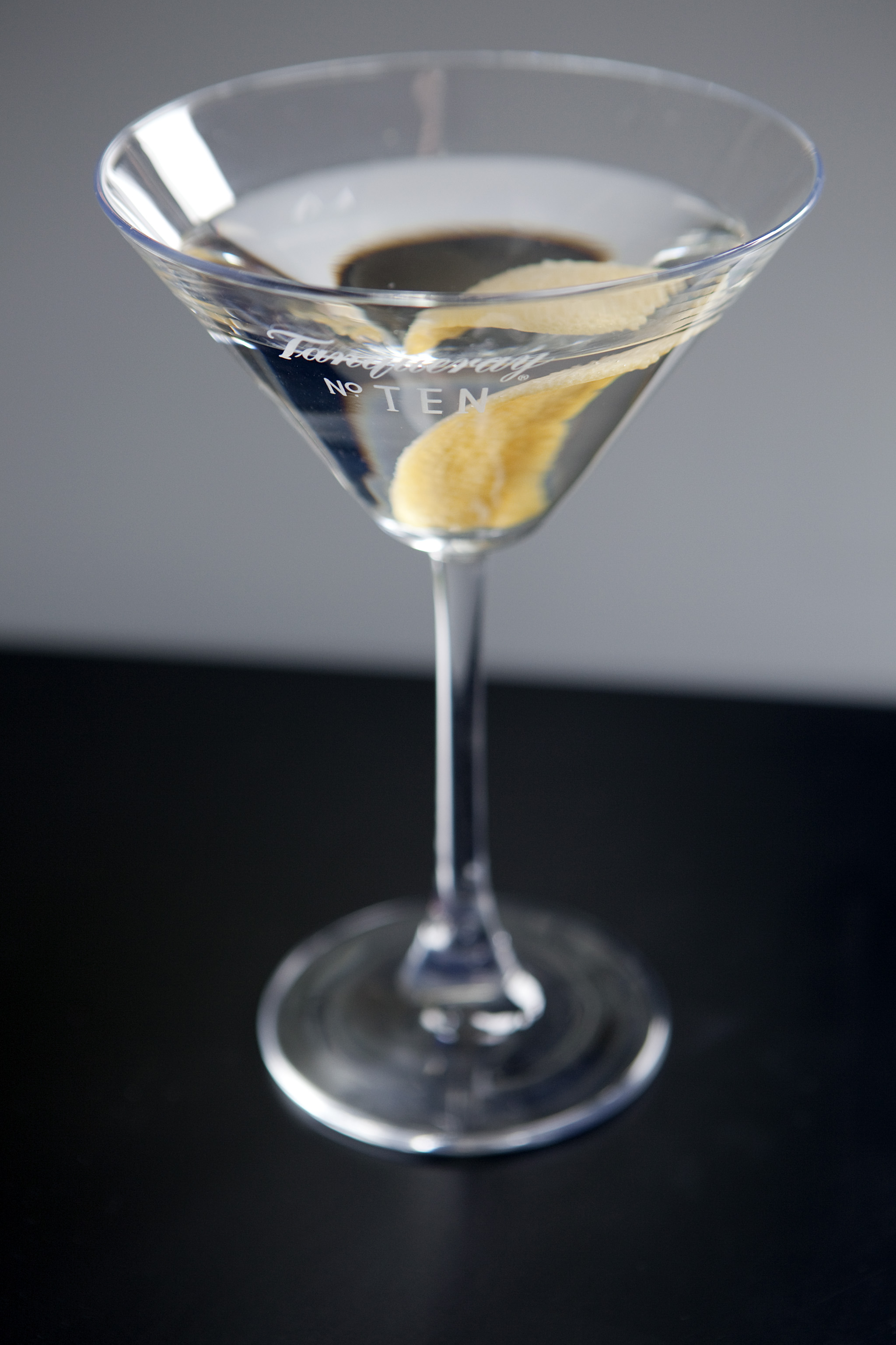 The Cocktail Lovers Dry Martini